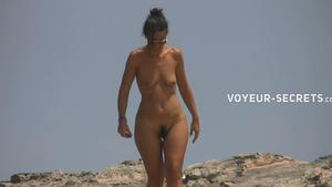 Voyeur Two very differently hot women at beach