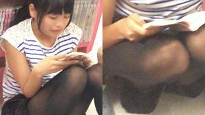 aru230 歩きスマホの黒髪J系☆喰いこんだ丸見えの生パンGET♪etc3作品