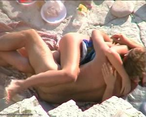 Nude Beach – Hot Exhibitionists Public